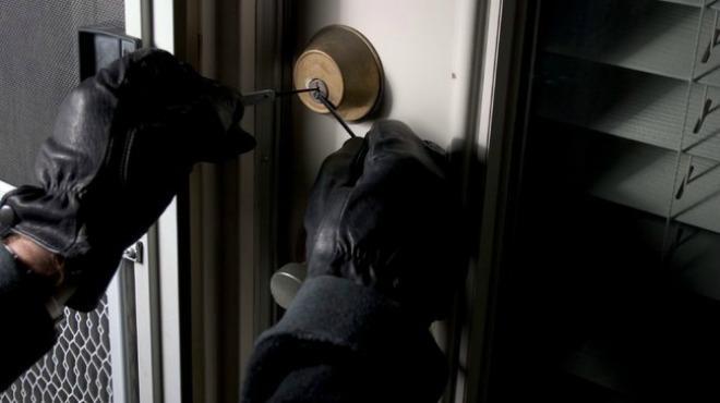 robando-casa-ganzuado-tecnicas-robo-protege-tu-comunidad-con-esvision